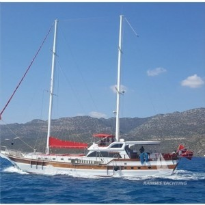 D422 - Deluxe Gulet Charter Fethiye for 8 Person